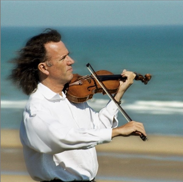 [/userfiles/files/Andre%20rieu%20Violine.jpg]